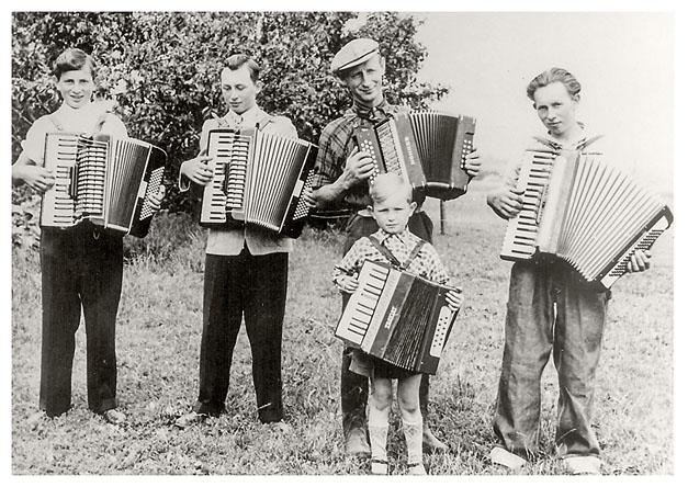 Harmonikaspillere